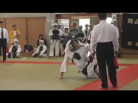 必殺の一撃、必殺禁じ技!